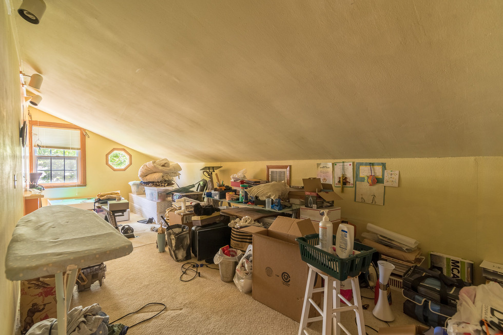 Upstairs Clutter Before-5.jpg