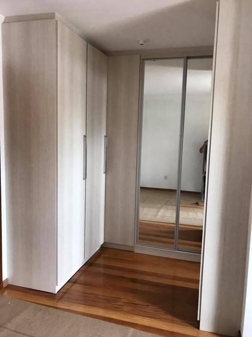 Closet - C1.jpg