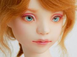 BJH SD Bust Iris