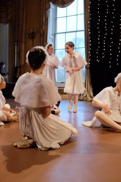 Les Patineurs - Christmas Production