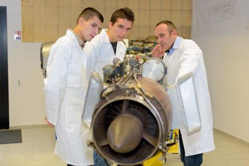 Trouver ma thèse SPI en aéronautique