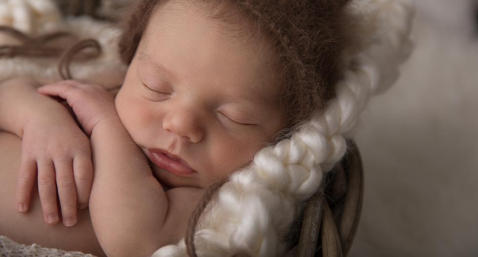 Photographe Genève bébé nouveau né