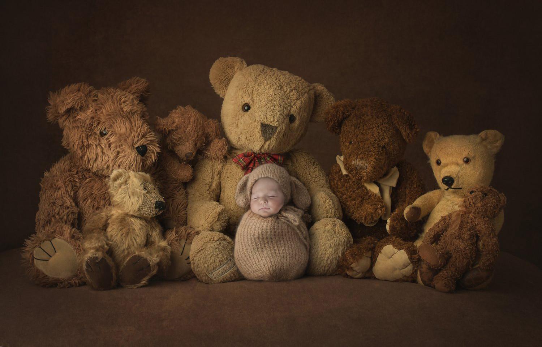 Newborn photographe Geneva Switzerland photographer portraits baby bears