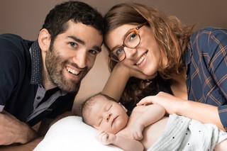 Séance nouveau-né chez une famille comblée