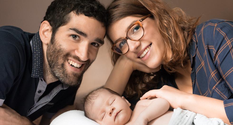 Newborn portrait photographe Geneva Switzerland photographer portraits baby nouveau-né grossesse maternity Genève