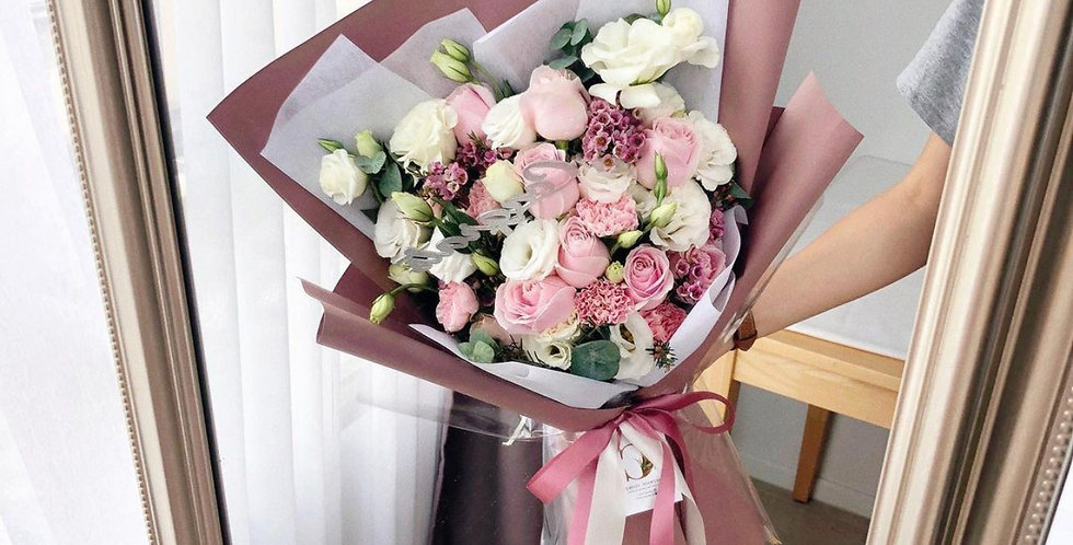 Mixed Pink & White Tone Flowers