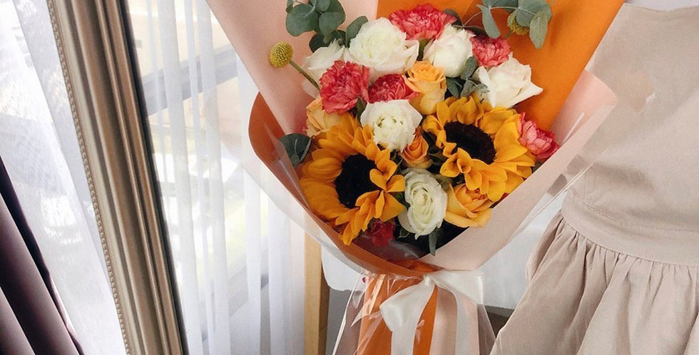 A Mix of Bright Flowers Bouquet