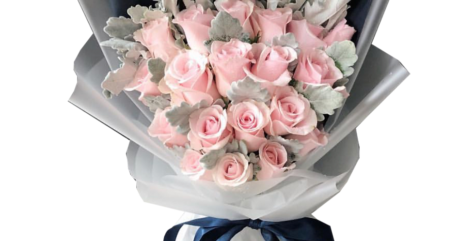 20 Light Pink Roses With Snow Leaves