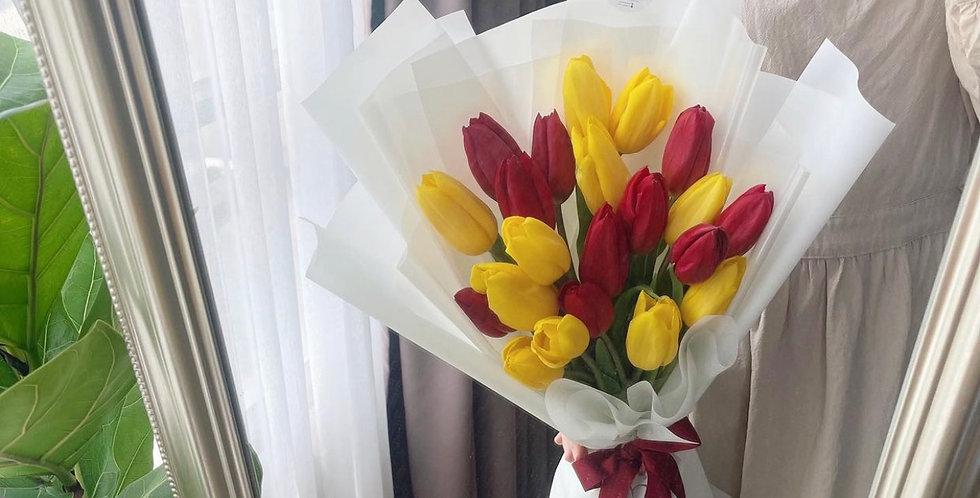 20 Red & Yellow Tulips