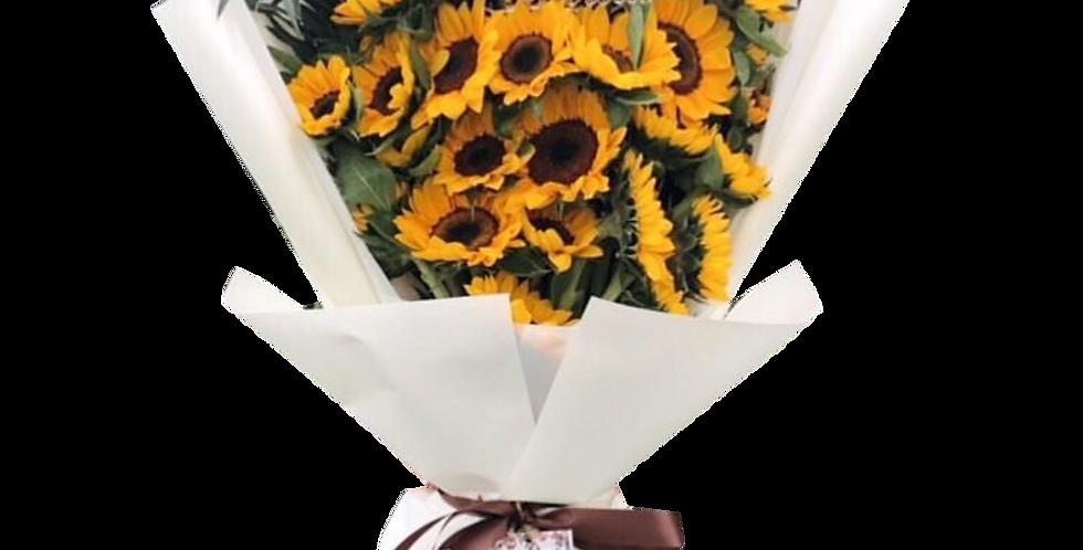 25 Sunflower With Eucalyptus