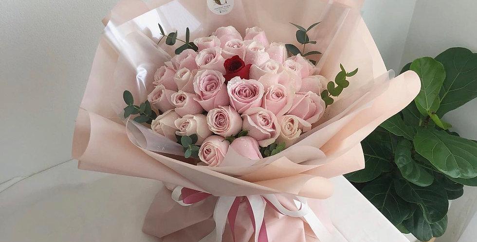 29 + 1 Roses Bouquet - Size M-L