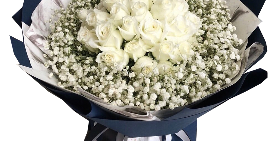 50 White Roses with Gypso