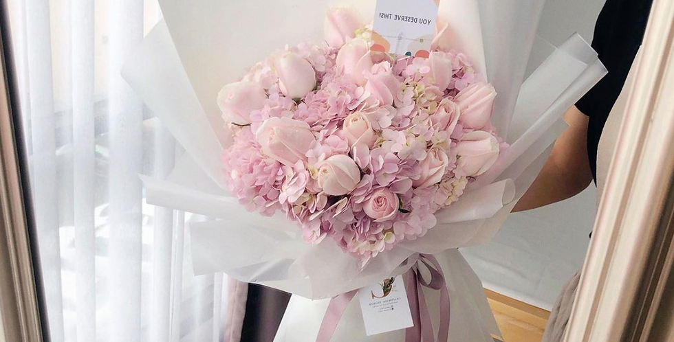 Pink Hydrangeas with Light Pink Roses