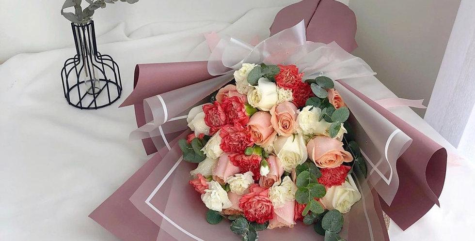 Mixed White & Orange Tone Flowers