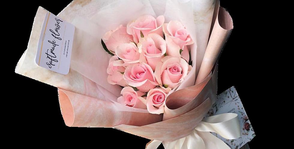 10 Light Pink Roses