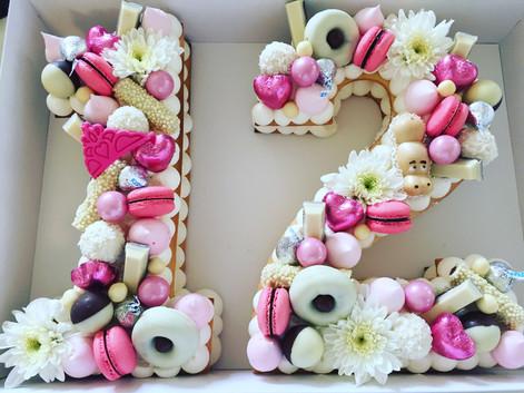 עוגת מספרים בת מצווה 12
