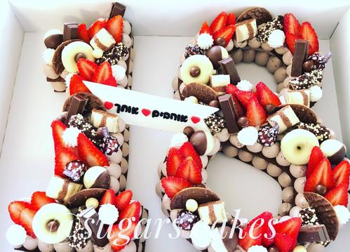 עוגת מספר 18 תות שוקולד