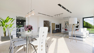 Big living-room with high ceilings and lots of space