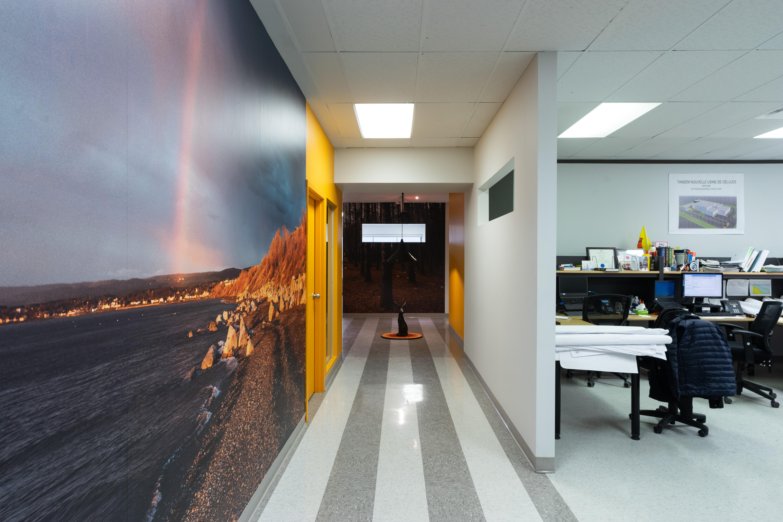 LAPORTE EXPERTS:corridor vers lounge