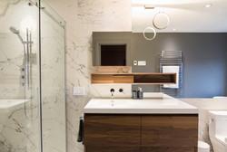 LE BIARRITZ: comptoir lavabo