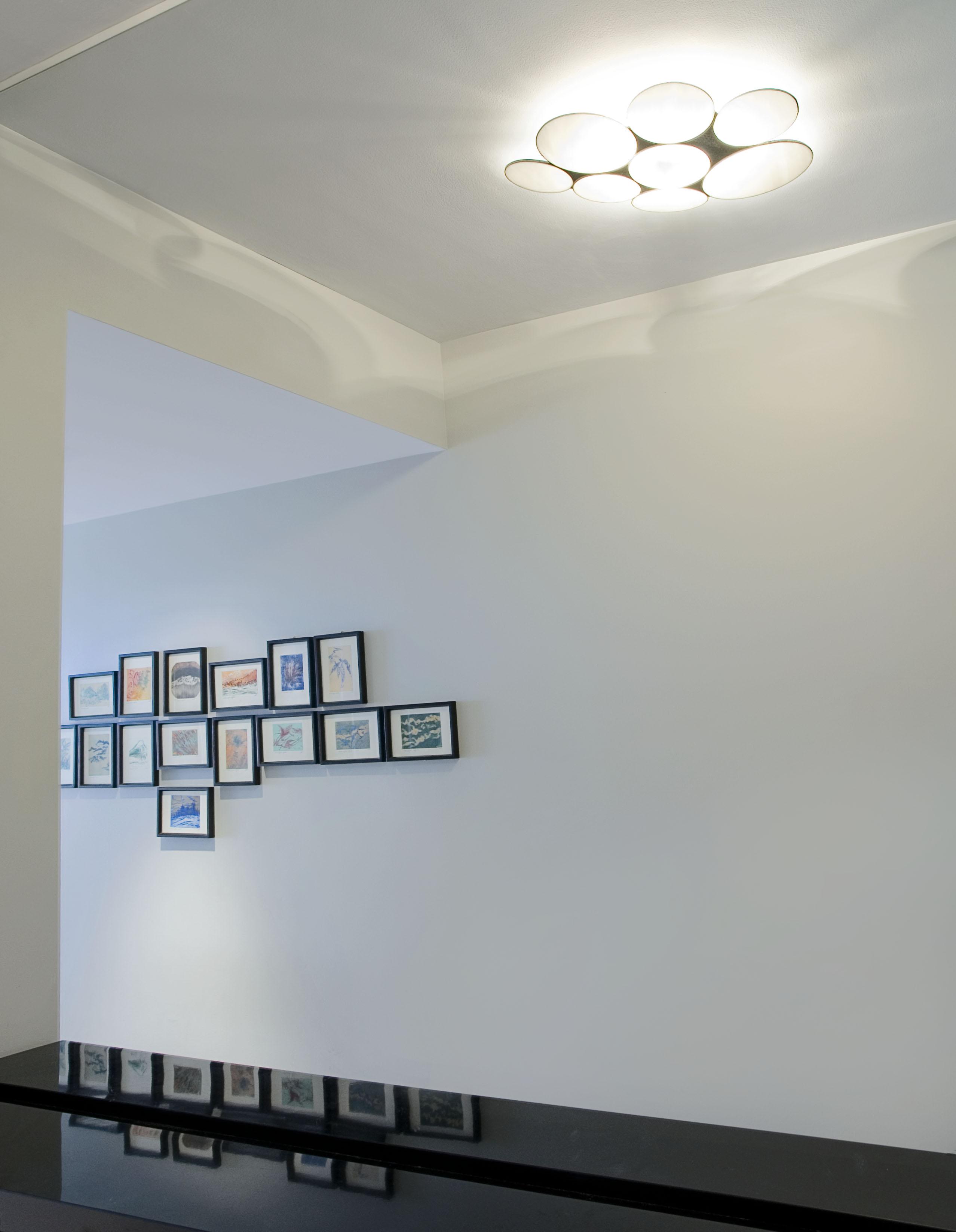 RÉSIDENCE HOULE: corridor hall