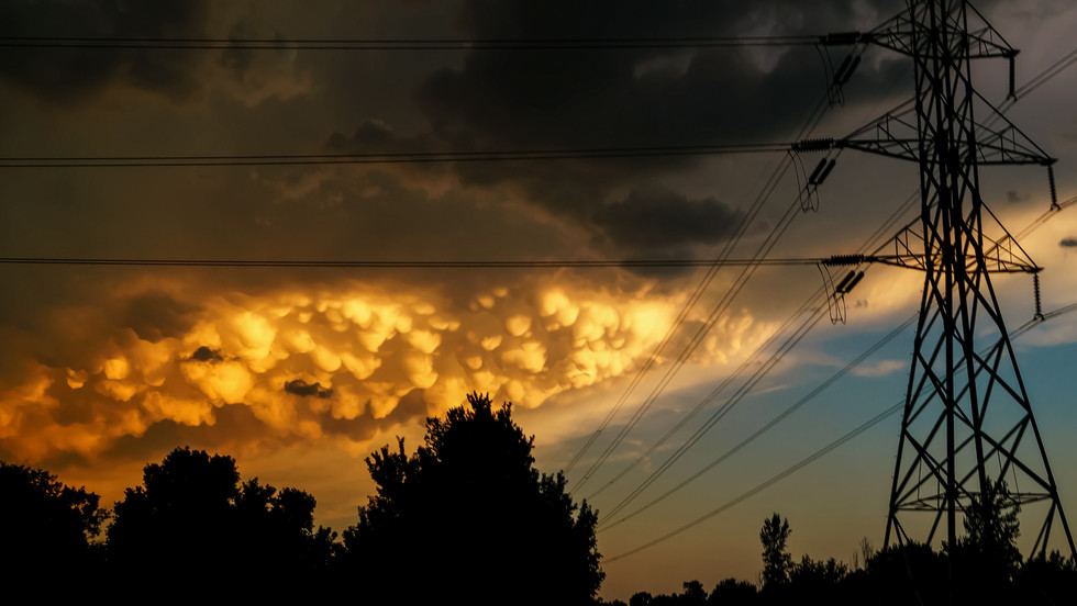 A mammatus sunset from my parent's backyard - Wichita, Kansas