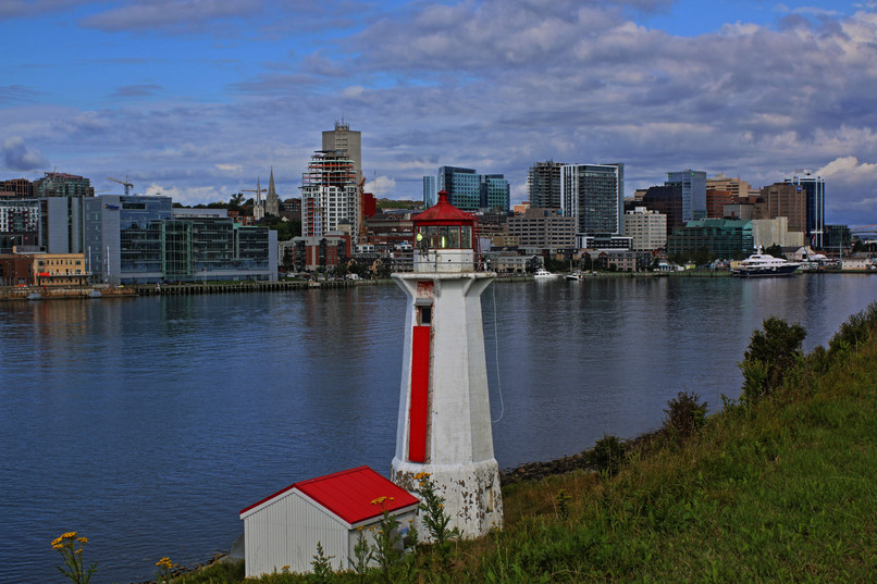 Lighthouse-min2 Parks Canada Georges Isl