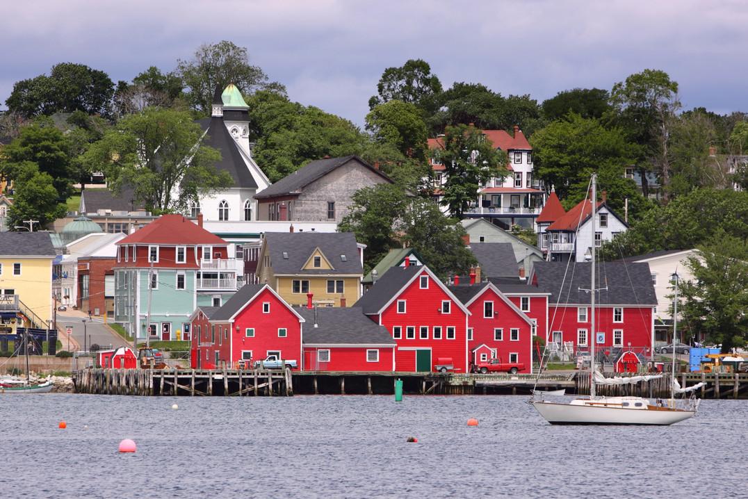 Lunenburg, Nova Scotia | Ambassatours Gray Line