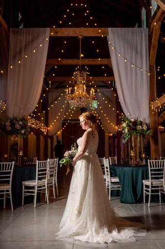 Knob Hill Wedding & Florals.jpg