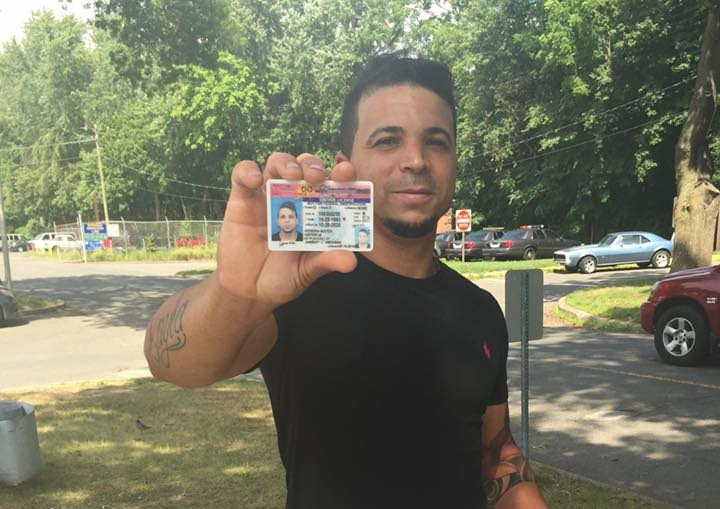 CT DMV Student holding is license