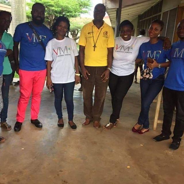 Van-Moorhouse-Foundation-donates-to-Kuma