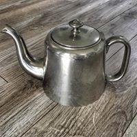 Metal Pea Pot