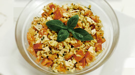 Salade d'Ebly au chèvre frais, tomate et basilic