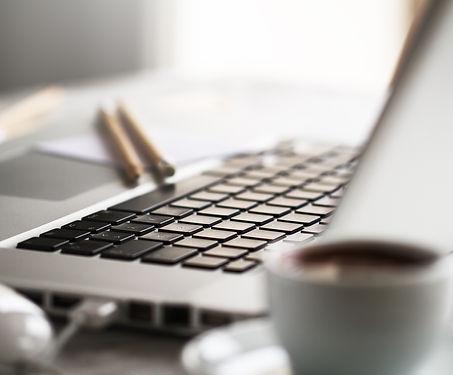 close-table-technology-notebook-open.jpg