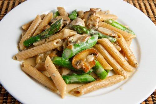 Penne with Asparagus, Mushroom Cream