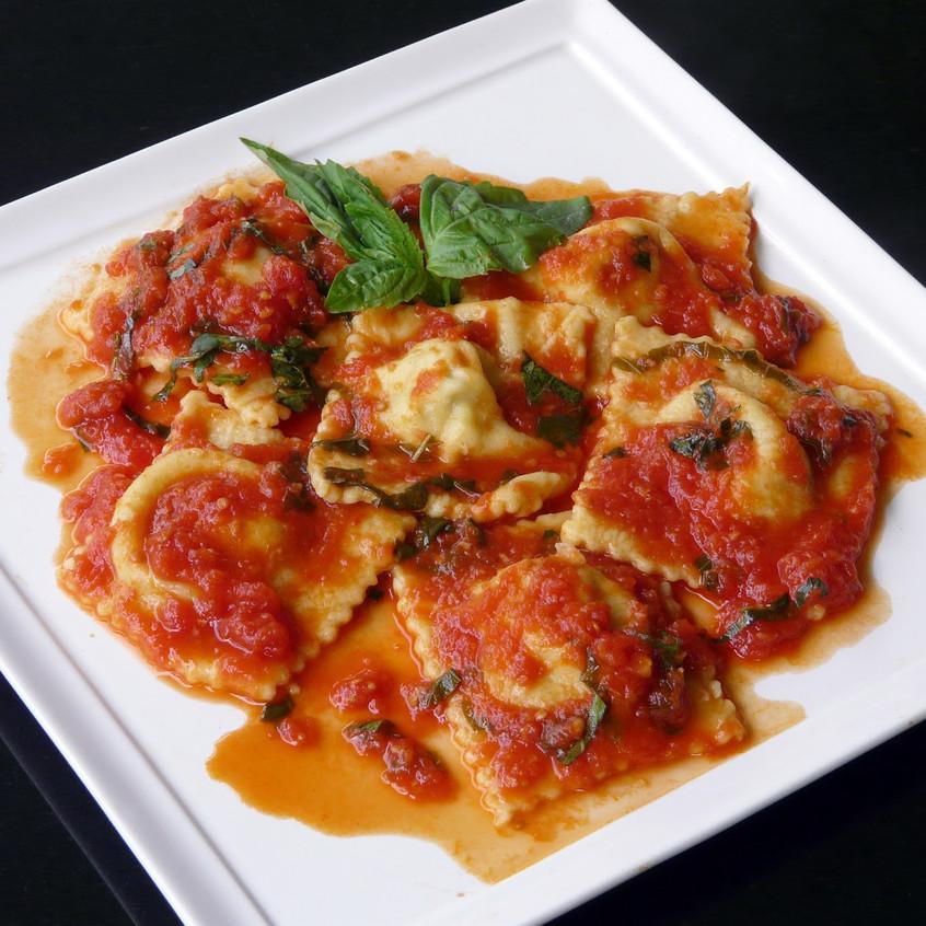 ravioli_with_tomato