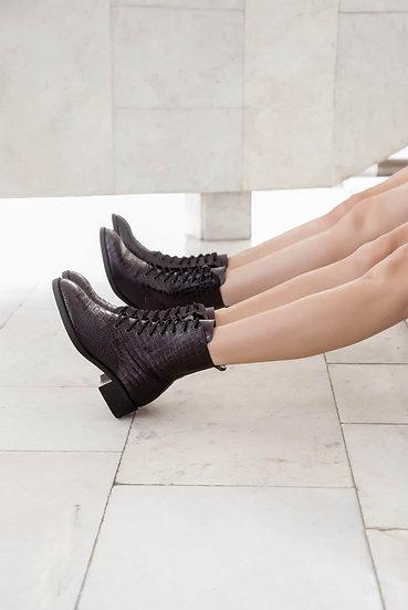 Черевики зі шнурівкою із фактурної шкіри
