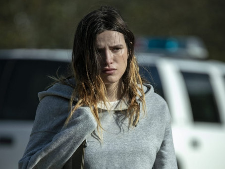 Bella Thorne está em busca de vingança em novo poster e trailer de 'Girl'