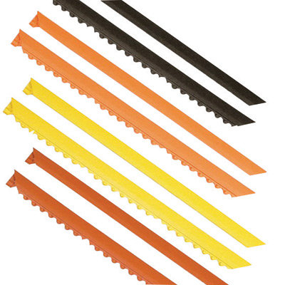 """NoTrax 3' Black 3/4"""" Thick Nitrile Rubber MD Ramp System  Female  Ramp"""