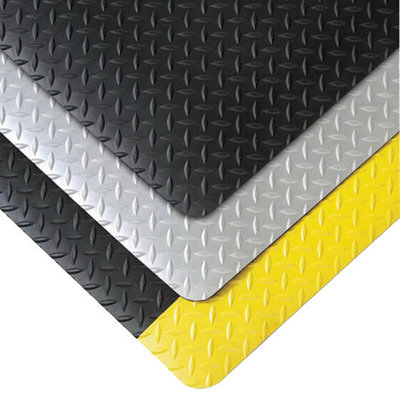 """NoTrax 3' X 5' Black And Yellow 1"""" Thick Vinyl Saddle Trax  Grande"""