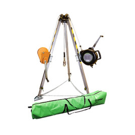 019-11003-With-Safety-Chains-and-Tripod-
