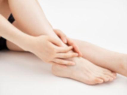 足のしびれ 枠.jpg