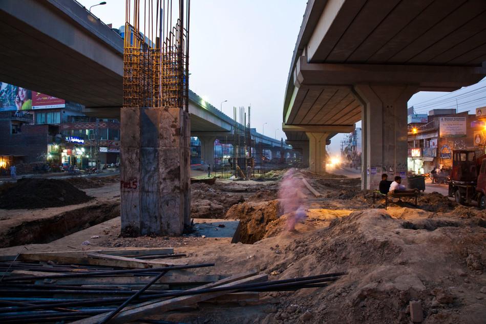 Ferozpur Road Flyover Construction