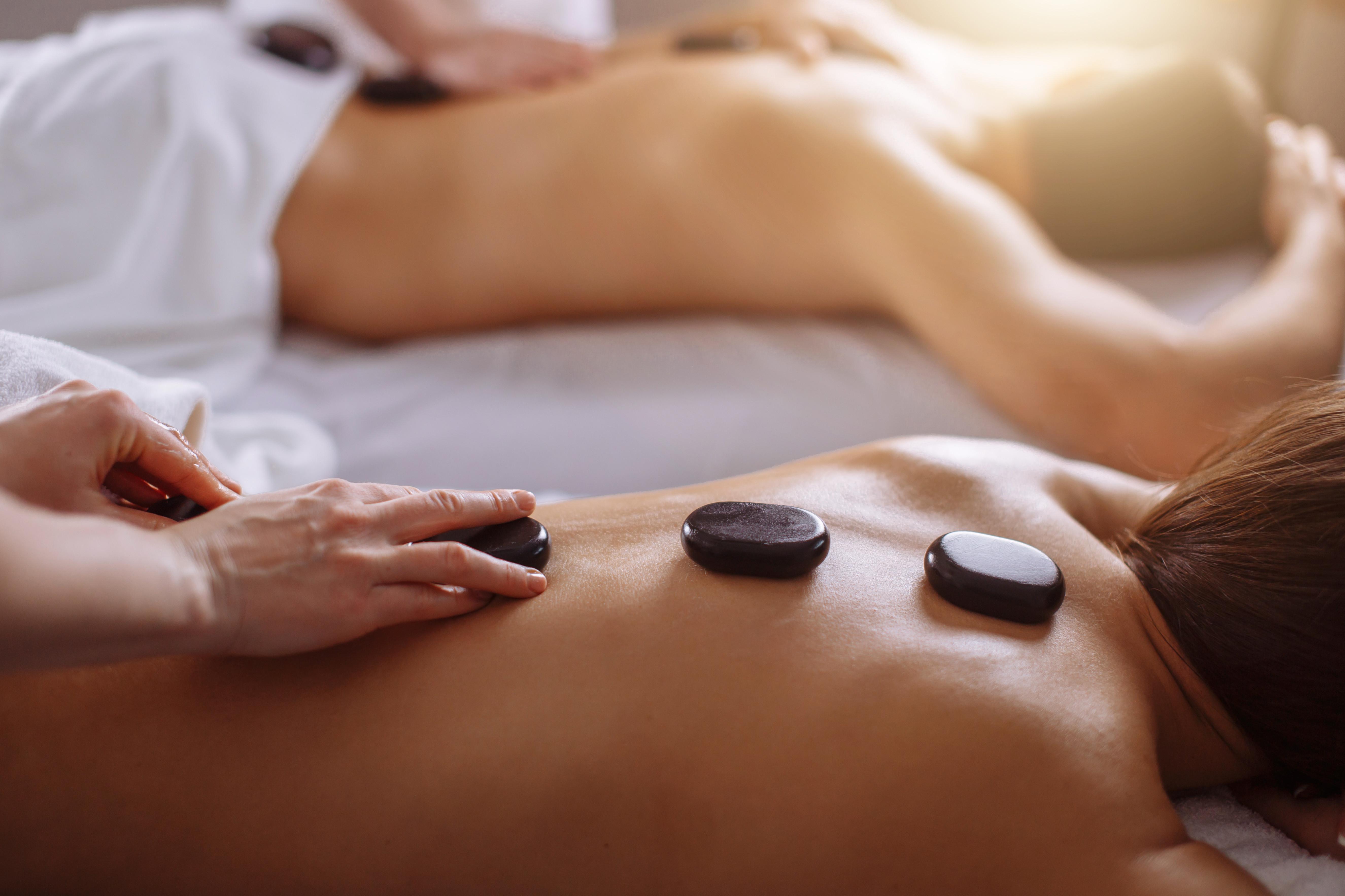 Couples Retreat 2HR Hot Stone Massage
