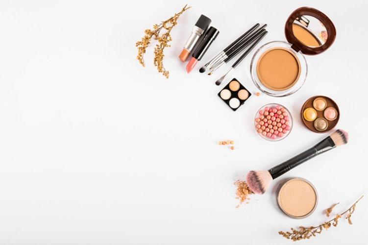 set-decorative-cosmetics-makeup-brushes-
