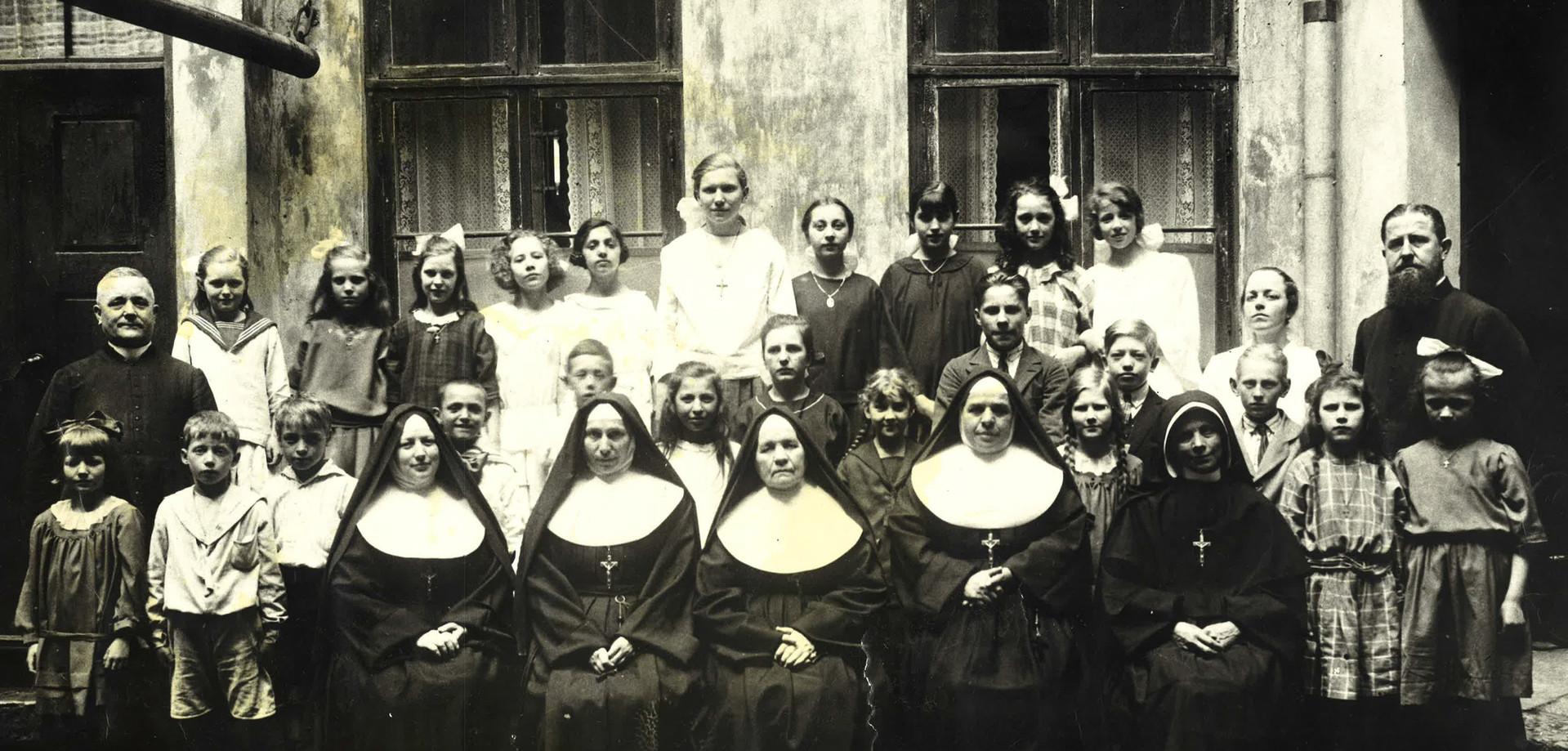 1917 Skolan flyttar