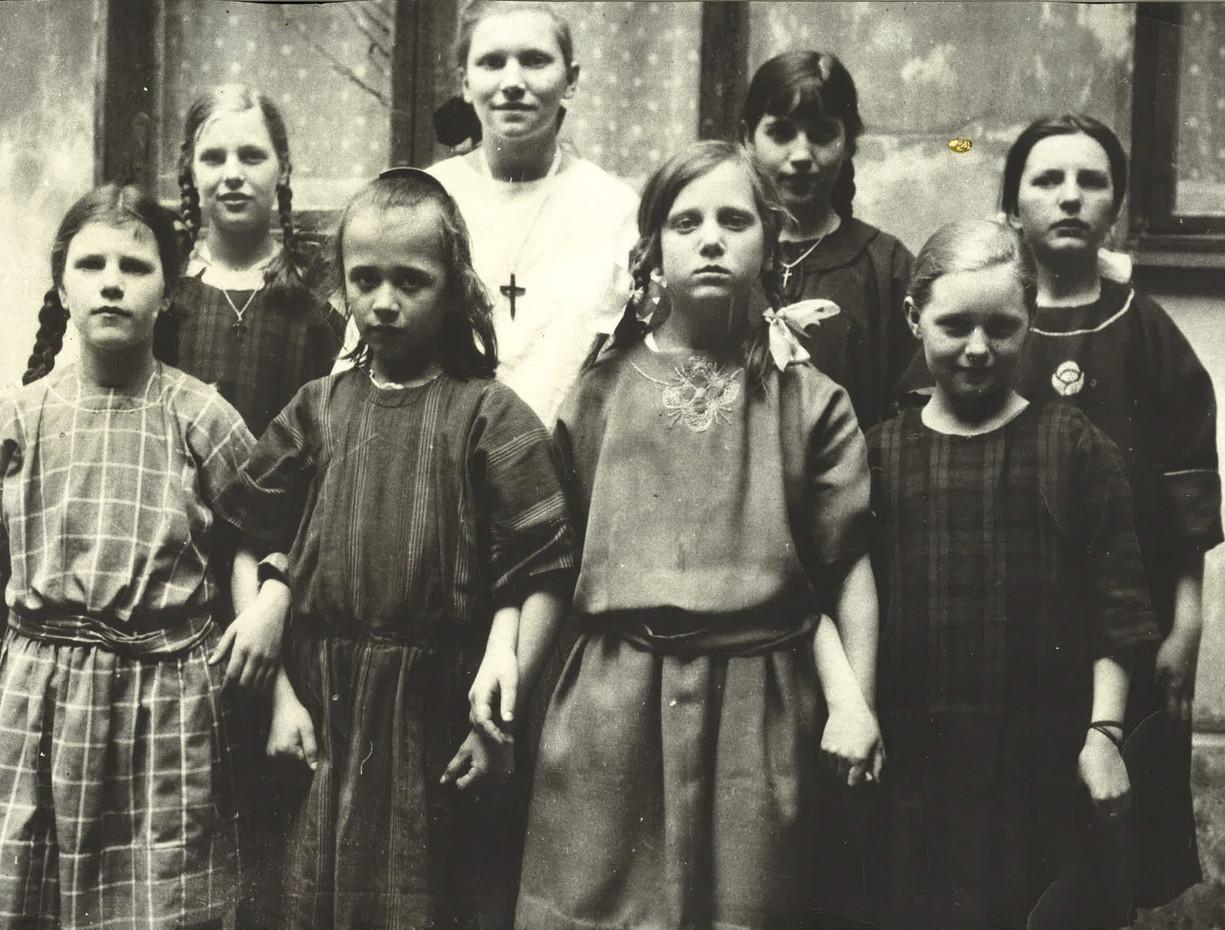 1917 Elever från skolan