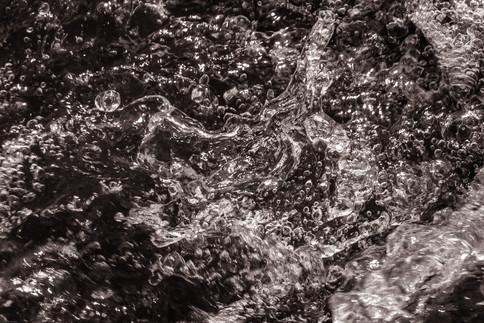 Nature-Gushing water bubbles Malibu Cree