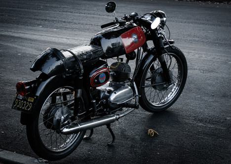 Moto-Benelli 2.jpg