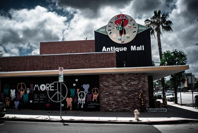 Buildings-Sherman Oaks Antique Mall (tak